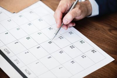 カレンダーに書き込む人