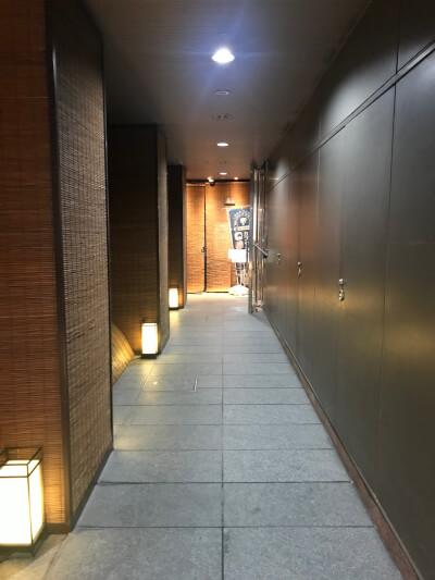 エントランス廊下
